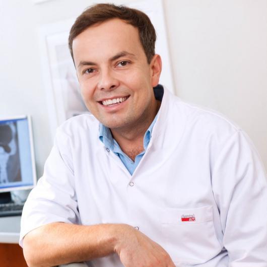 dr Karol Borkowski – Chirurg Szczękowy Wrocław